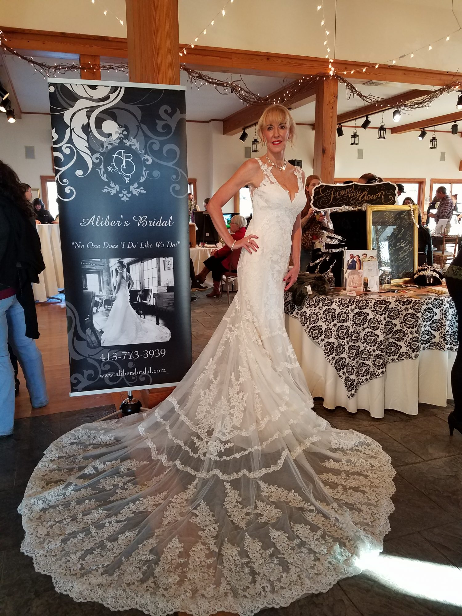 Alyson's Simply Elegant Wedding Show